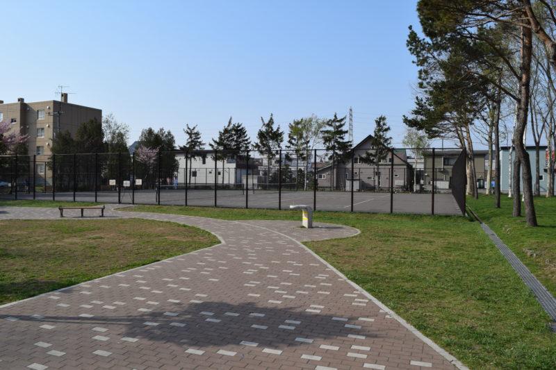 札苗中央公園テニスコート