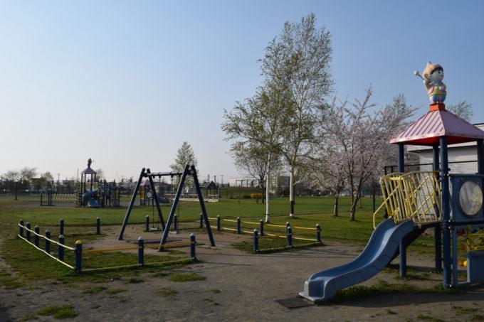 ちびっこ広場の角から公園全体