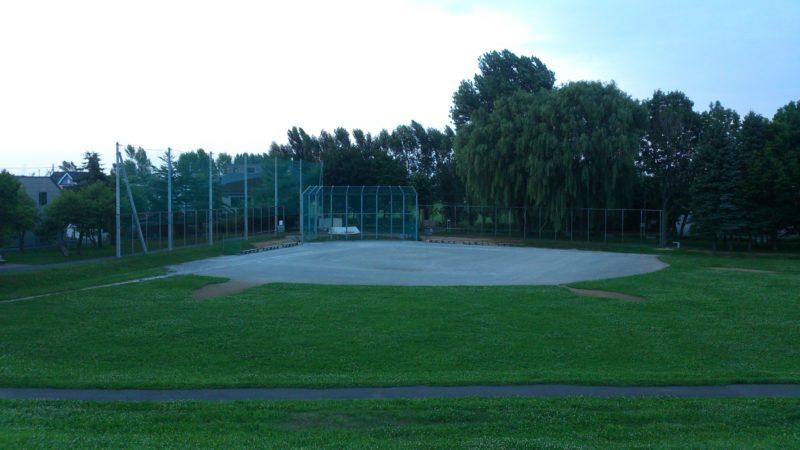 新琴似二番通公園野球場