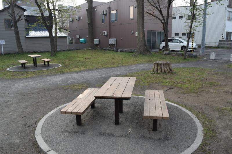 椅子とベンチ