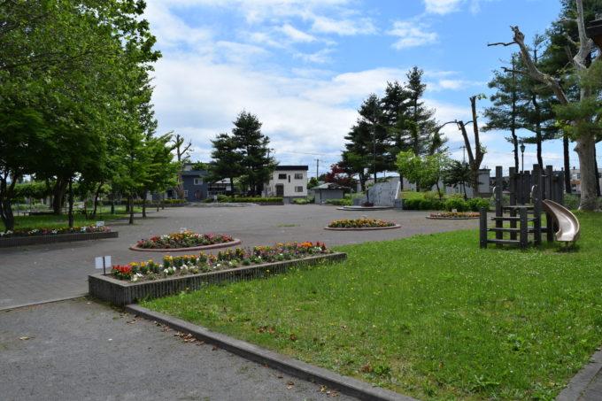 緑と花の園内