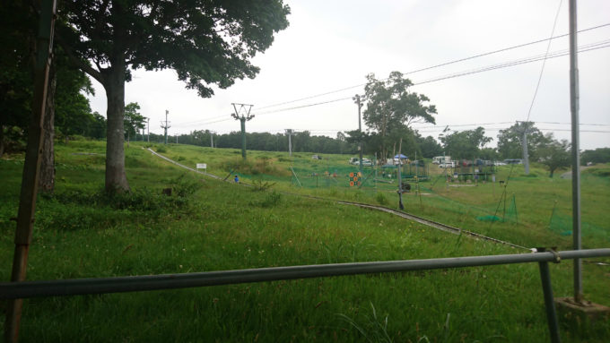 天狗山のファミリーゲレンデを利用したステンレス製の430mの特設コース