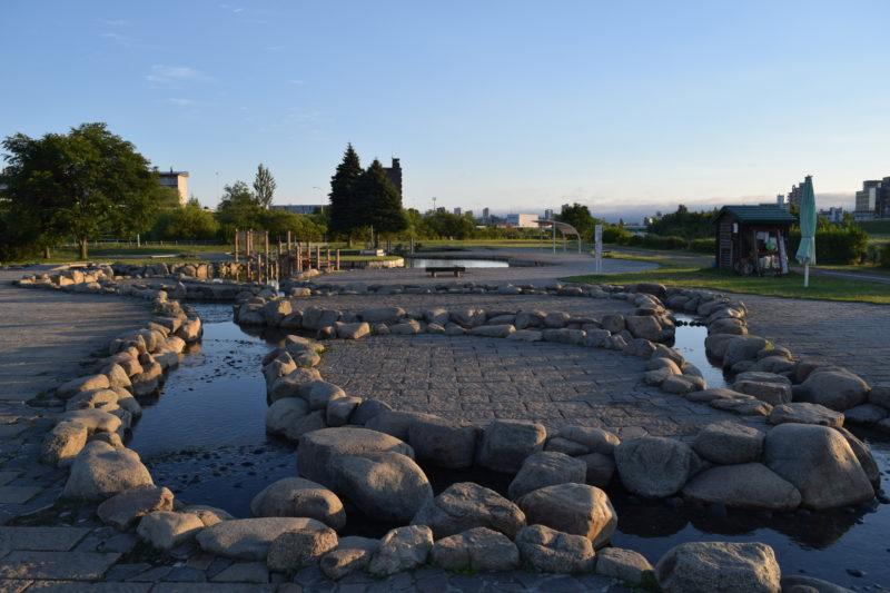 豊平川緑地ウォーターガーデンの遊水路