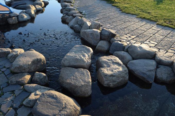 遊水路にある石の横断箇所
