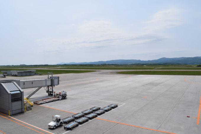 空港で働く車