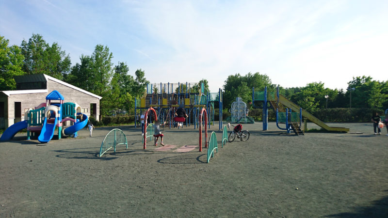 川下公園の遊具広場