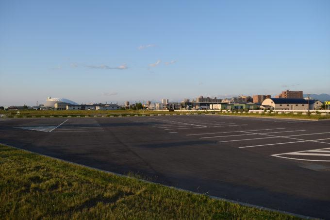 丘珠空港緑地スタート広場にある駐車場
