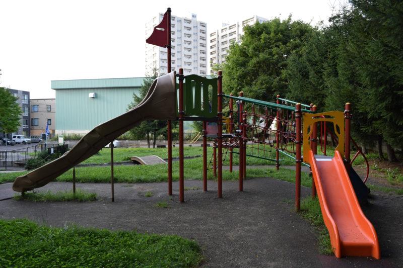 大友公園のコンビネーション遊具
