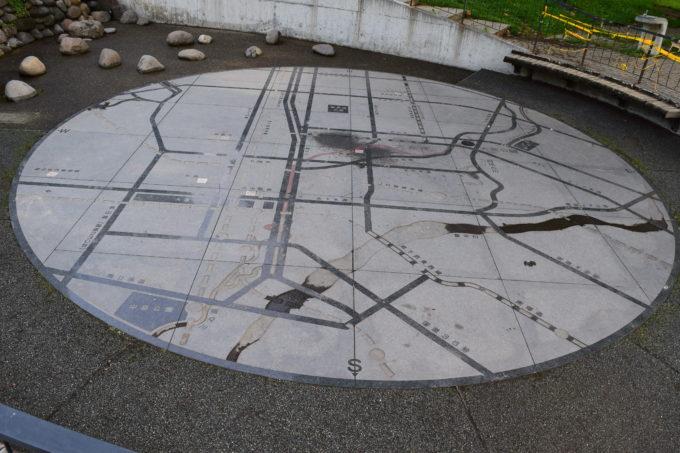大友公園にある地図の広場