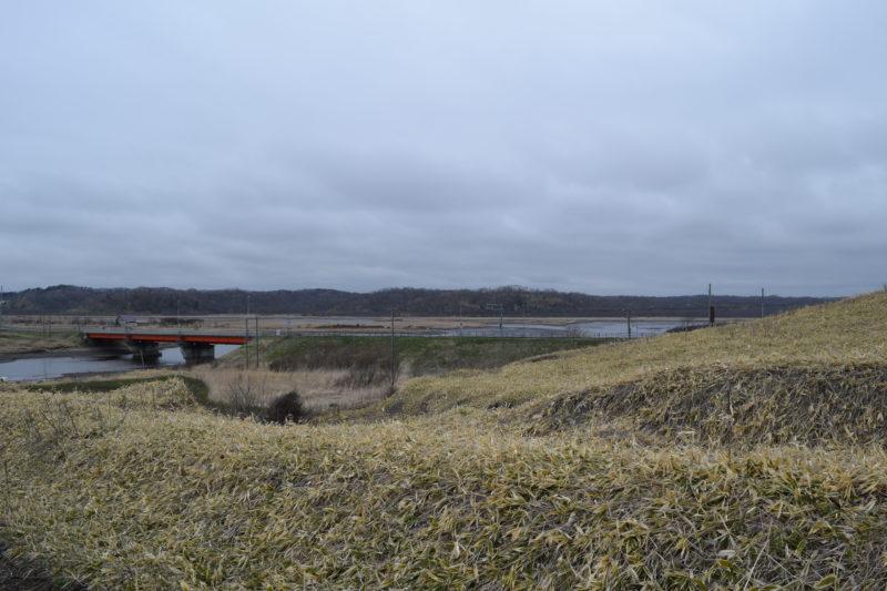 フンペリムセ発祥地付近の高台からのパシクル沼。