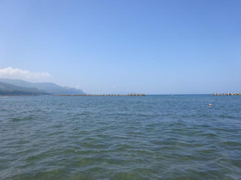 銭函海水浴場の波消しブロック