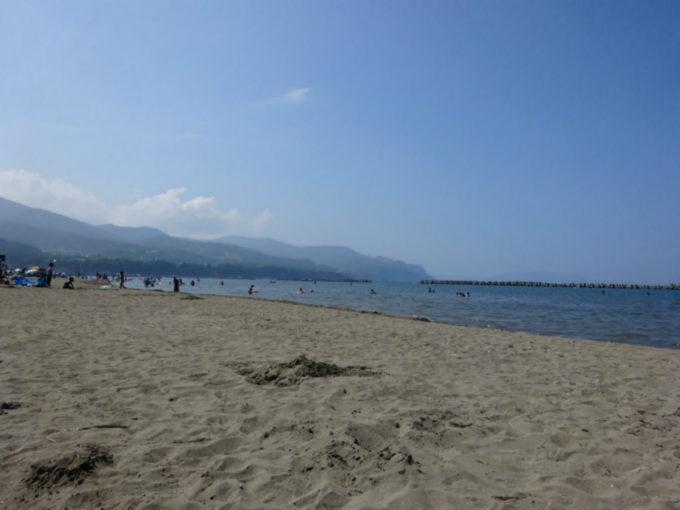 銭函海水浴場の砂浜
