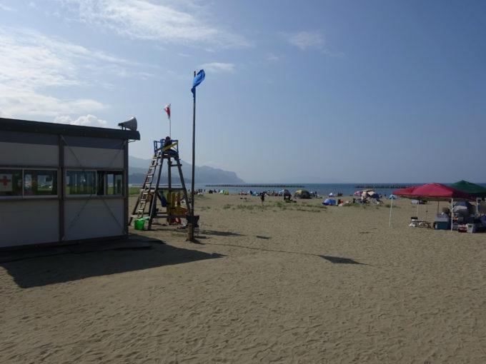 銭函海水浴場の監視小屋付近