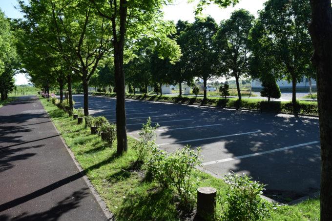 旭川市立忠和中学校側の駐車場