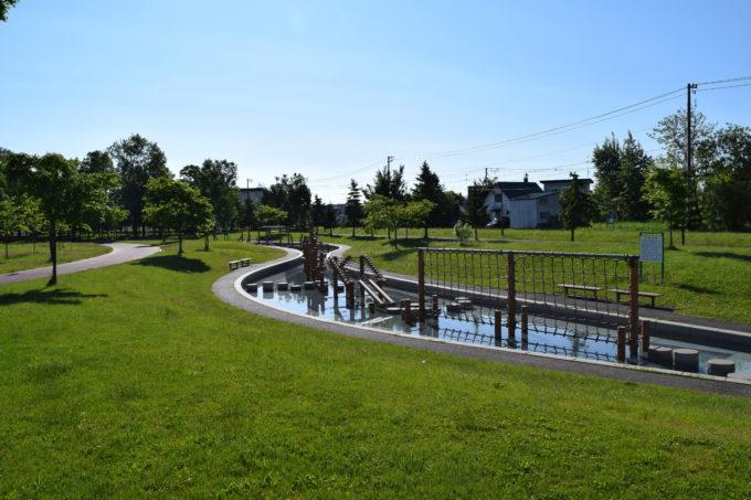 忠和公園の水上トリムコース