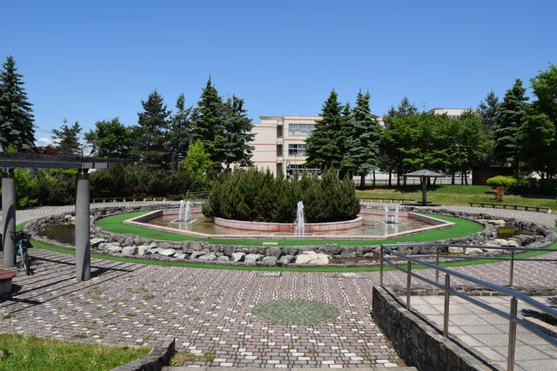 新富公園の水遊びができる噴水広場