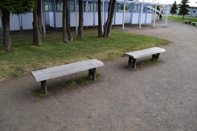 客船遊具付近のベンチ