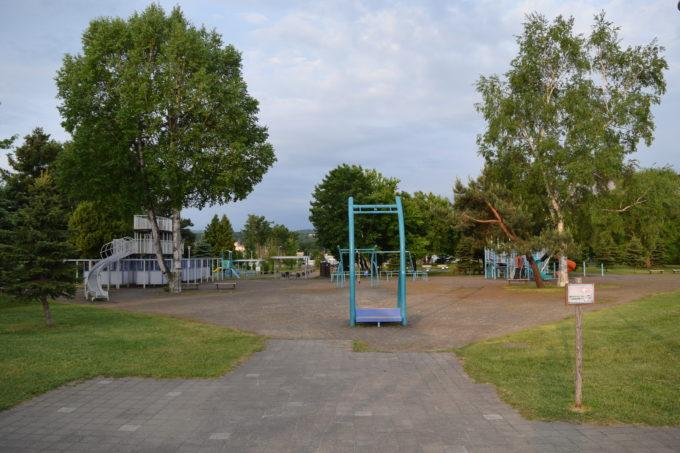 クリスタルパークの遊具広場