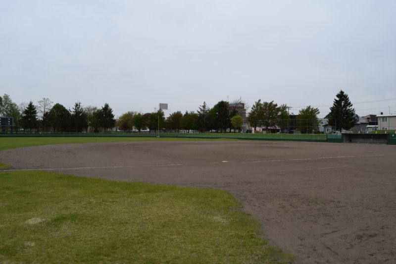 恵み野中央公園野球場