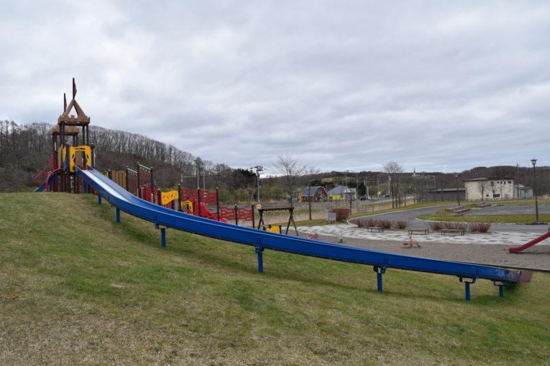 全長約19mのロングローラースライダー。