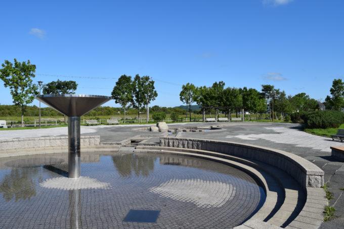 とおや恵公園の噴水広場