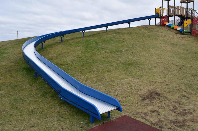 全長約19mのロングローラースライダー