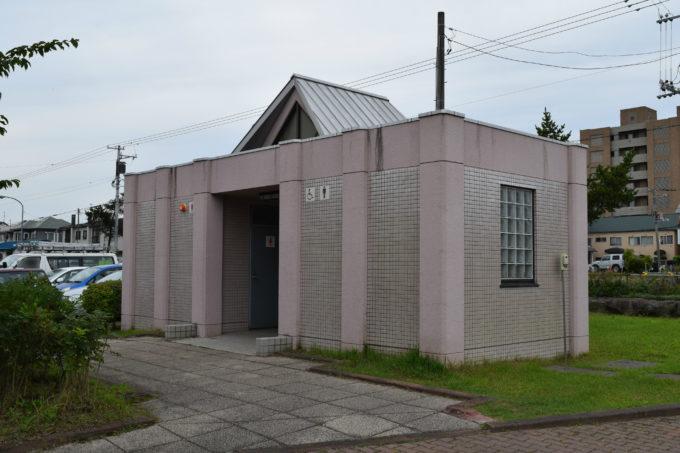 噴水広場付近にあるバリアフリートイレ