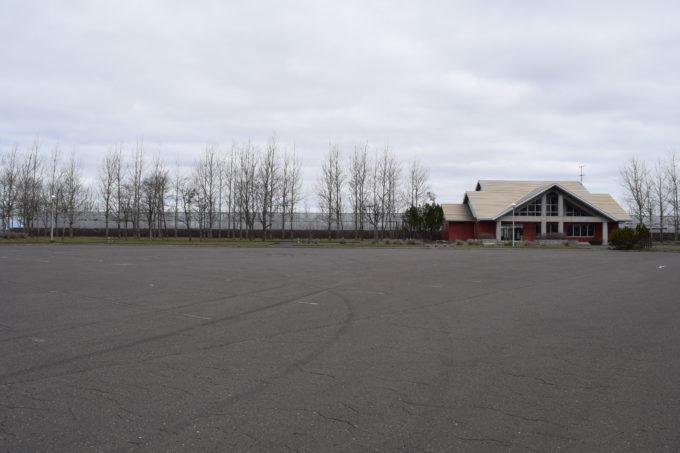 釧路市民テニスコート前の駐車場