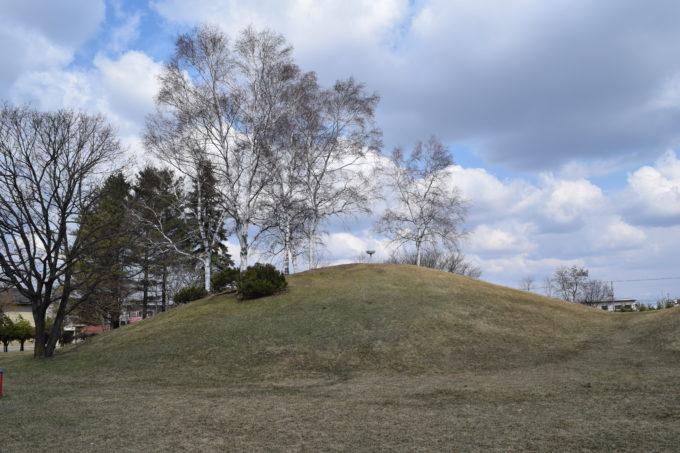 白樺公園の築山