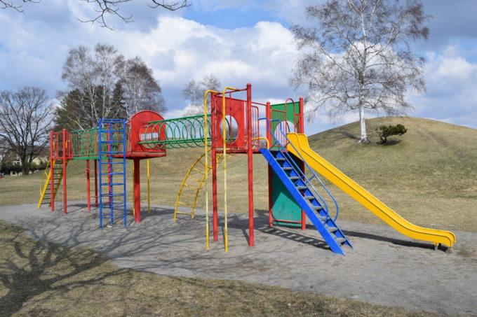 白樺公園アスレチック遊具