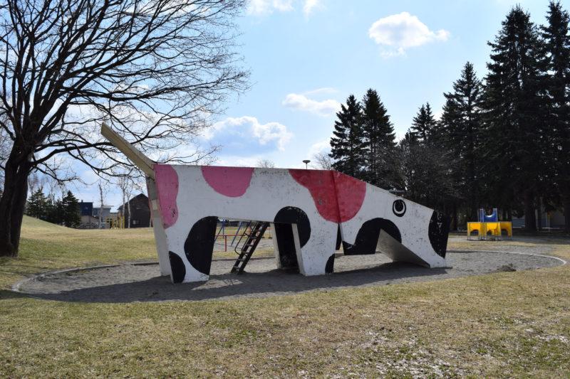 牛の滑り台