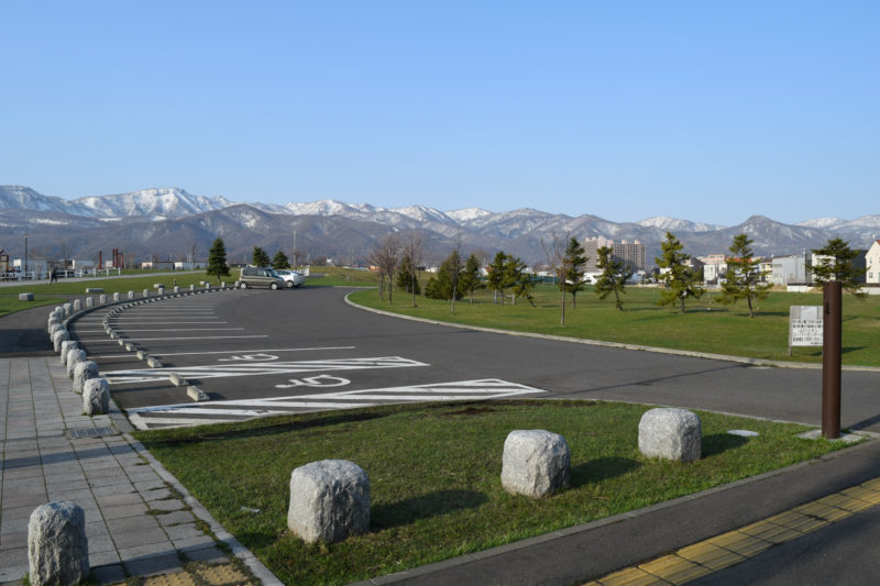 明日風公園の駐車場