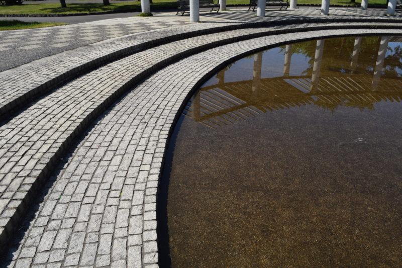 噴水がある水の広場