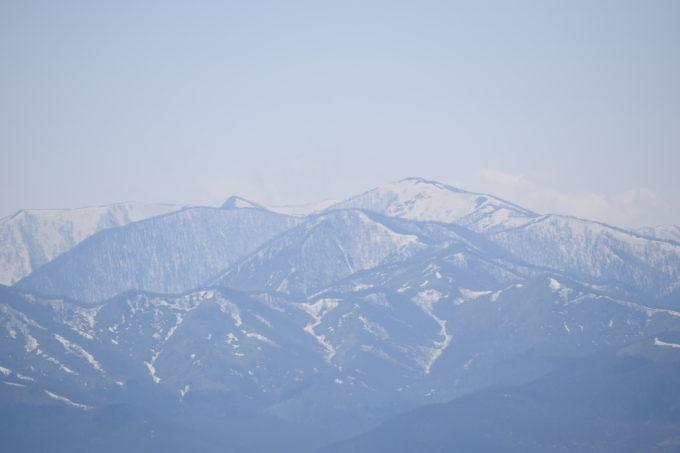 残雪の美しい日高山脈