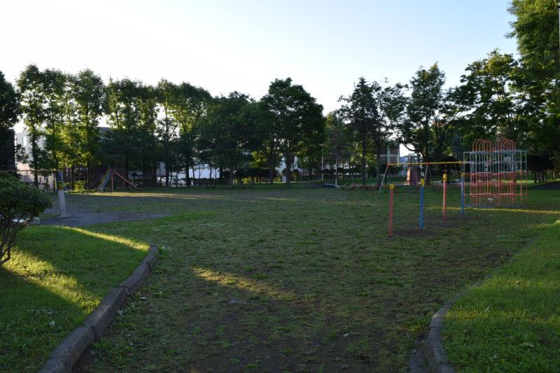 栄町平和公園の遊具広場