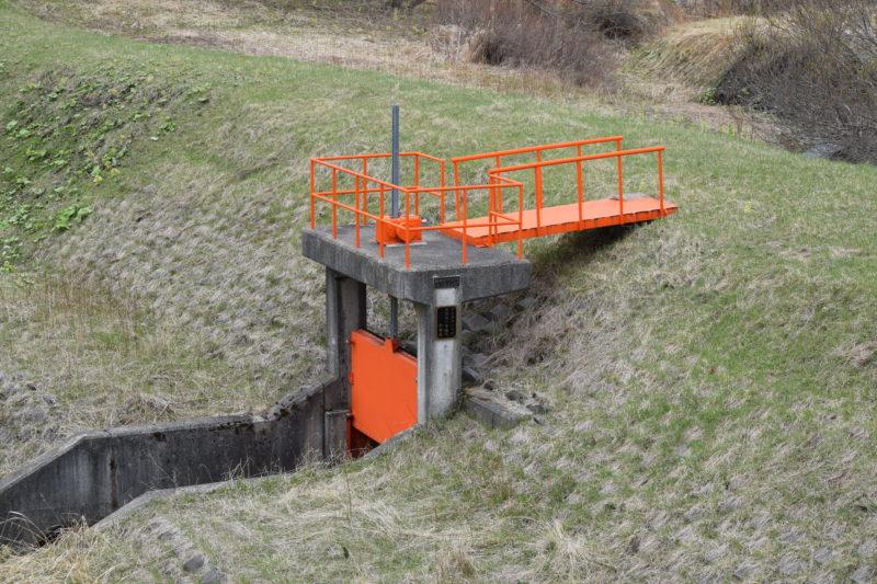 サンタクンベ川の双河辺一号樋門