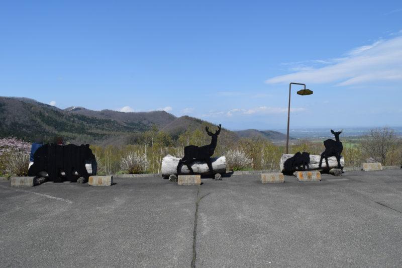 展望台には様々な動物のオブジェ