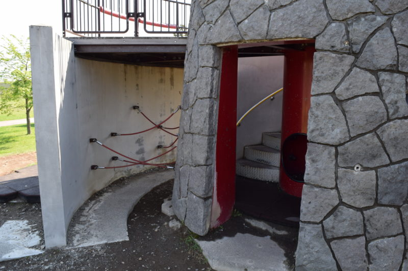 石の砦の登り口