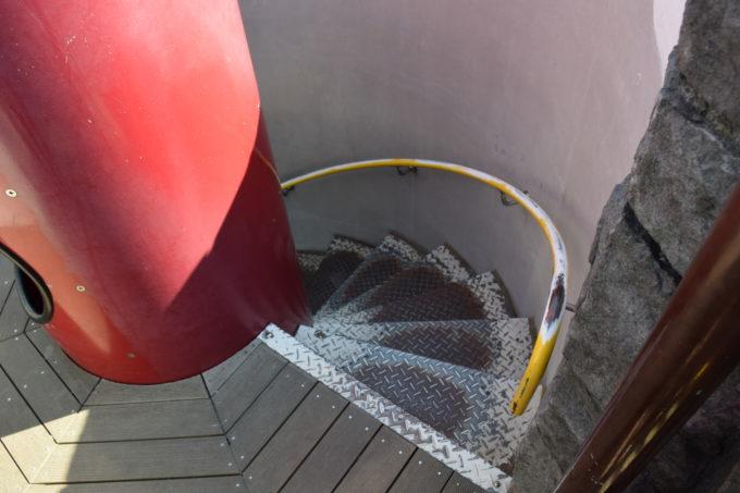 石の砦の階段
