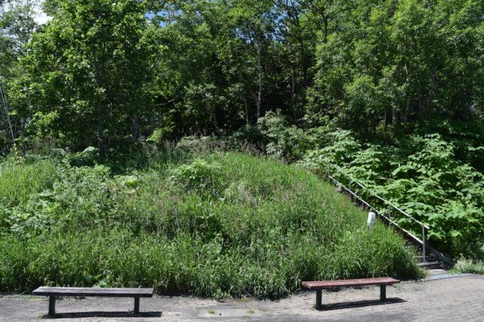 日勝峠展望台のベンチ