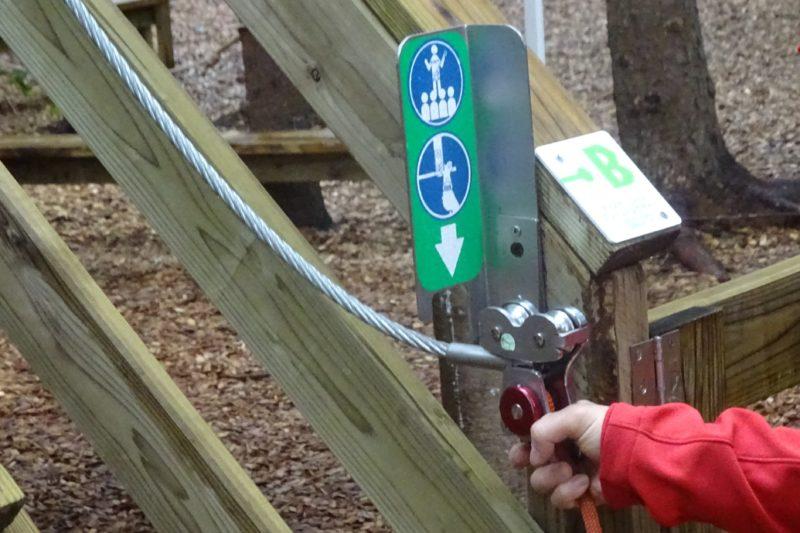 コースを登る前に行うビレイのセット方法