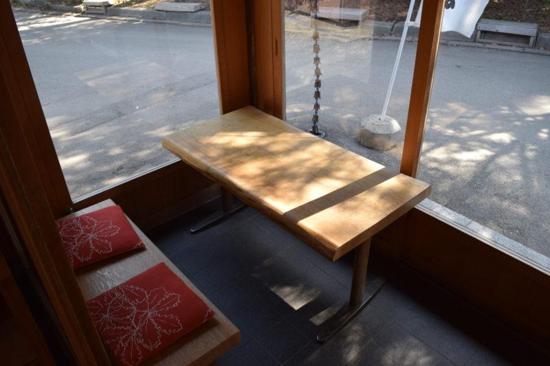 六花亭神宮茶屋の休憩スペース