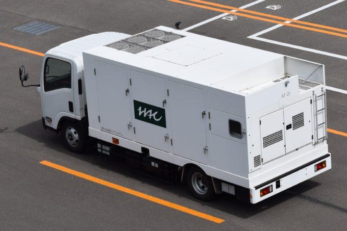 北海道エアシステムの航空機給油車