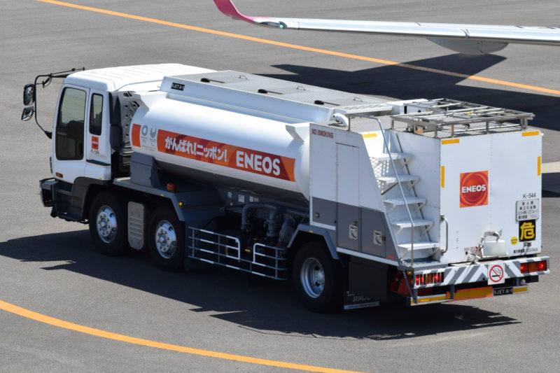 エネオス航空機燃料専用タンクローリー(レフューラー)「K-544」