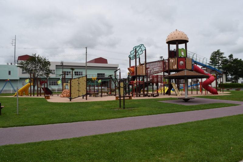 更別農村公園内の大型遊具広場「さらべつプレイランド」。