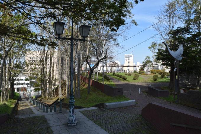 出世坂の横には幣舞公園(ぬさまい公園)が隣接