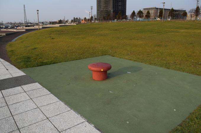 キラキラ公園係船柱