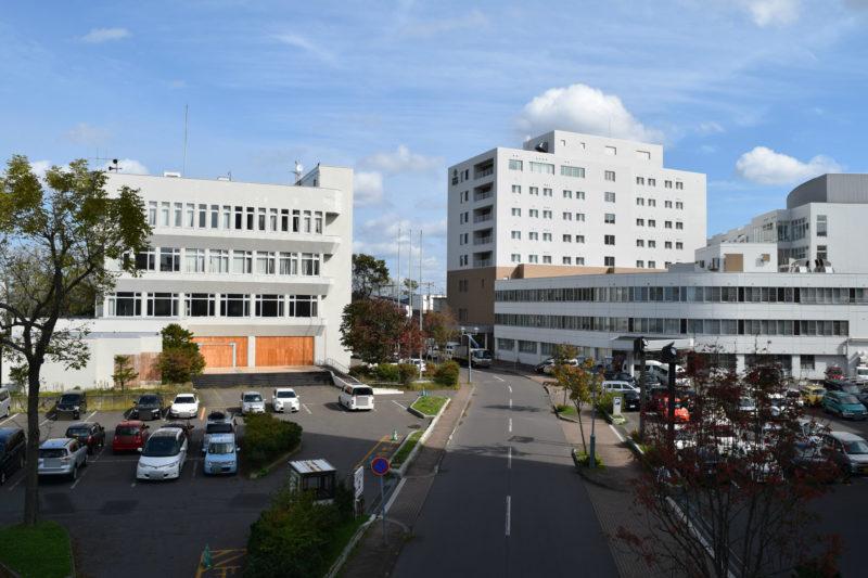 旧釧路図書館と釧路三慈会病院
