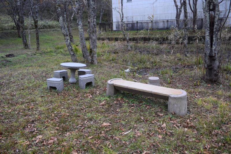 親水公園ベンチ