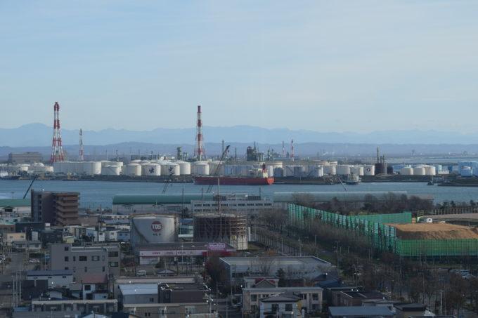 出光興産北海道製油所のオイルターミナル